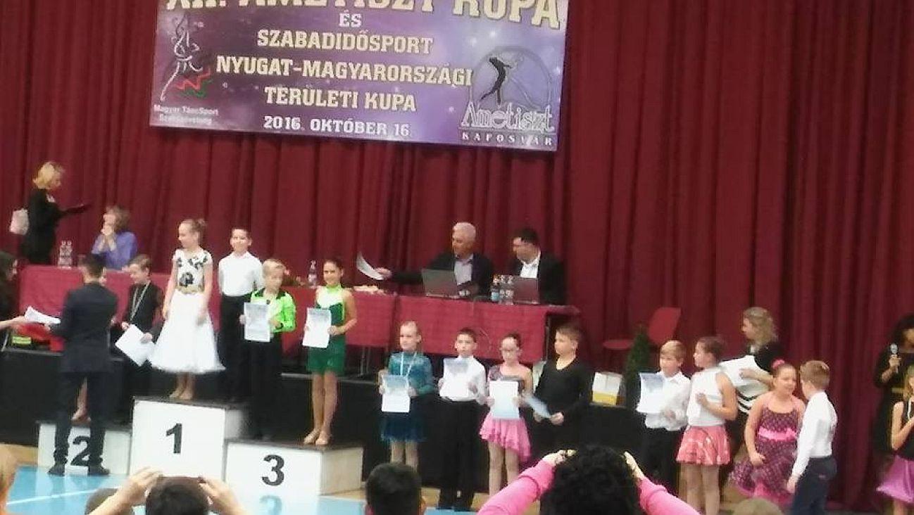 xii-ametiszt-kupa
